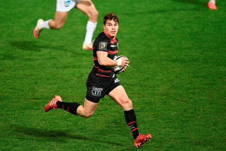 Antoine Dupont scored a solo try to give Toulouse breathing room against Bordeaux-Begles