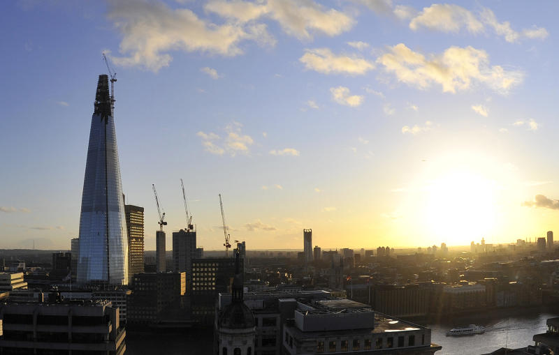 """The Shard"" is seen at dusk in central London January 2, 2012. The building, due to be completed later this year, will be the tallest building in the European Union. REUTERS/Toby Melville (BRITAIN - Tags: CITYSPACE BUSINESS CONSTRUCTION)"