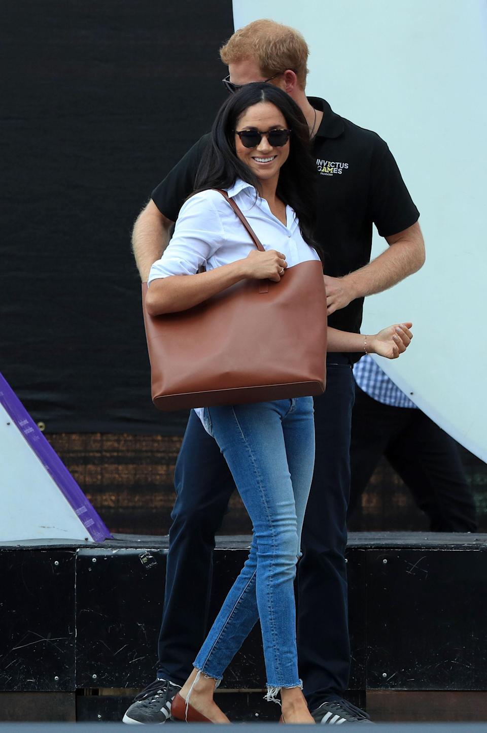 Another look at Meghan Markle's Looker jeans by Mother