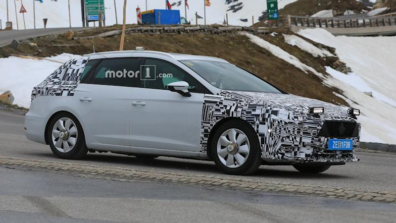 2019 seat leon spied for the first time. Black Bedroom Furniture Sets. Home Design Ideas