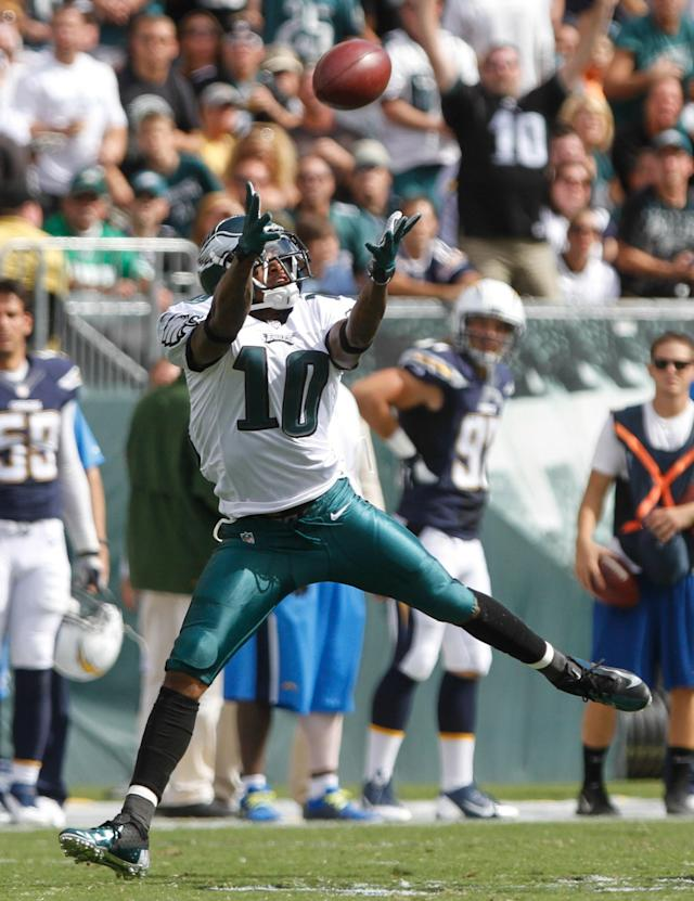 Philadelphia Eagles wide receiver DeSean Jackson (10) drops a long pass by Michael Vick in the third quarter against the San Diego Chargers of their NFL football game, Sunday, Sept. 15, 2013, in Philadelphia. The Chargers won 33-30. (AP Photo/The Wilmington News-Journal, Daniel Sato)