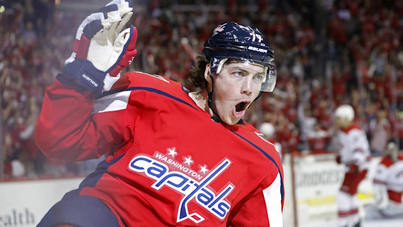 T.J. Oshie's rebound goal gives the Capitals an early lead over Bruins