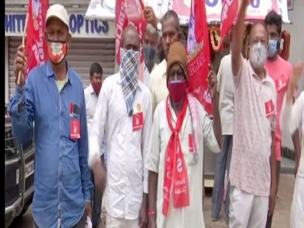 Farmers protest against the ordinances moved by the Centre. (Photo: ANI)