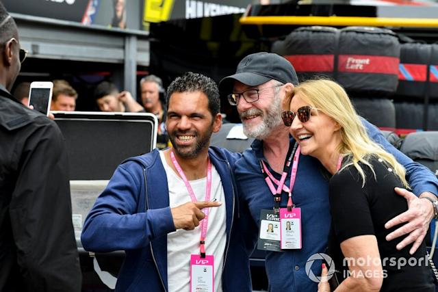 """Liam Cunningham, Actor y Sonia Irvine, Amber Lounge <span class=""""copyright"""">Mark Sutton / Motorsport Images</span>"""