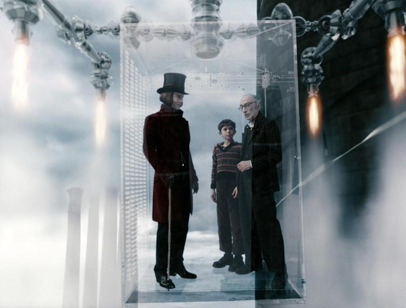 The glass elevator in Charlie And The Chocolate Factory (ES local feed )