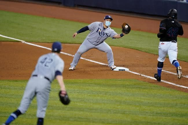 Yarbrough pitches into the 7th as Rays beat Marlins 2-0