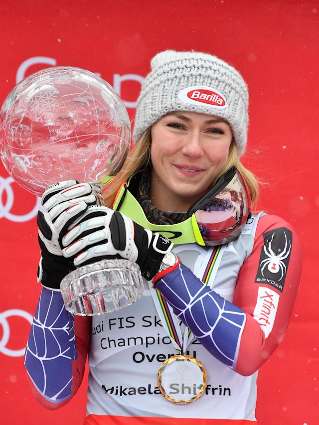 Alpine Skiing - FIS Alpine Skiing World Cup Finals 2018 - Are, Sweden - March 18, 2018. Mikaela Shiffrin poses with the World Cup overall trophy. TT News Agency/Anders Wiklund/ via REUTERS ATTENTION EDITORS - THIS IMAGE WAS PROVIDED BY A THIRD PARTY. SWEDEN OUT. NO COMMERCIAL OR EDITORIAL SALES IN SWEDEN