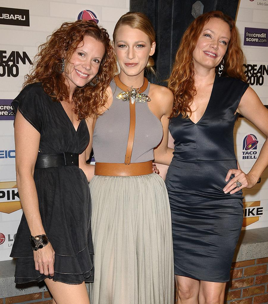 <p>Blake brings half-sisters and fellow actresses Robyn Lively and Lori Lively to the Scream Awards on Oct. 16, 2010. <i>(Photo: Jason LaVeris/FilmMagic)</i></p>