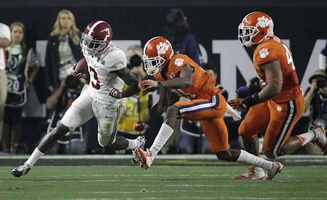 "<a class=""link rapid-noclick-resp"" href=""/ncaaf/players/226627/"" data-ylk=""slk:Adrian Baker"">Adrian Baker</a> had two interceptions for Clemson in 2015. (AP Photo/David J. Phillip)"