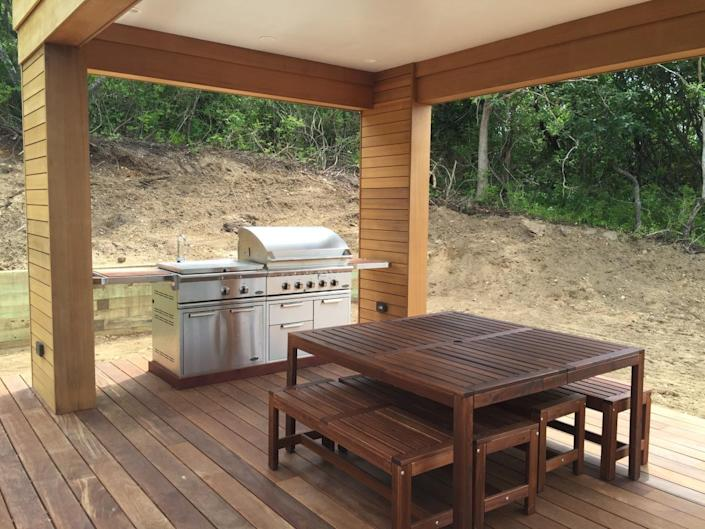 <p>The pool includes a DCS outdoor stainless steel kitchen…</p>