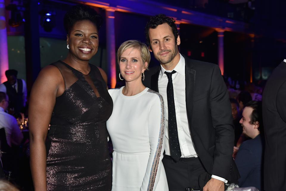 NEW YORK, NY - NOVEMBER 17:  Leslie Jones, Kristen Wiig, and Avi Rothman attend the American Museum of Natural History's 2016 Museum Gala at American Museum of Natural History on November 17, 2016 in New York City.  (Photo by Jared Siskin/Patrick McMullan via Getty Images)