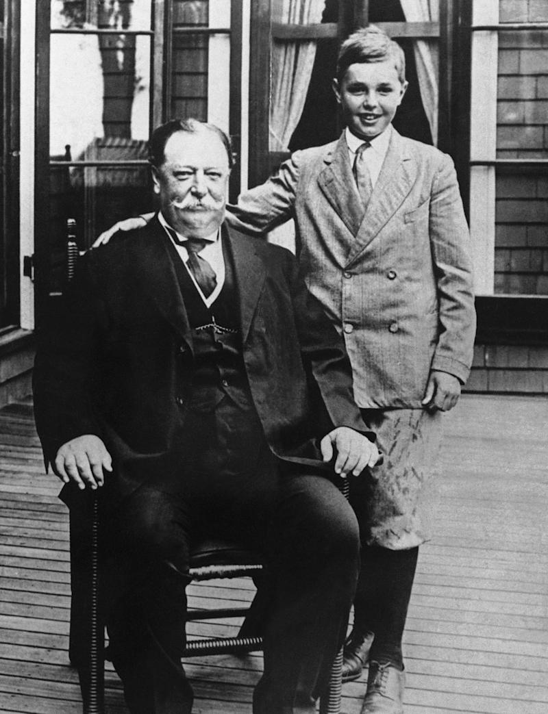 El 27° presidente de EEUU, William Howard Taft, y su hijo Charles. (AP Photo/File)