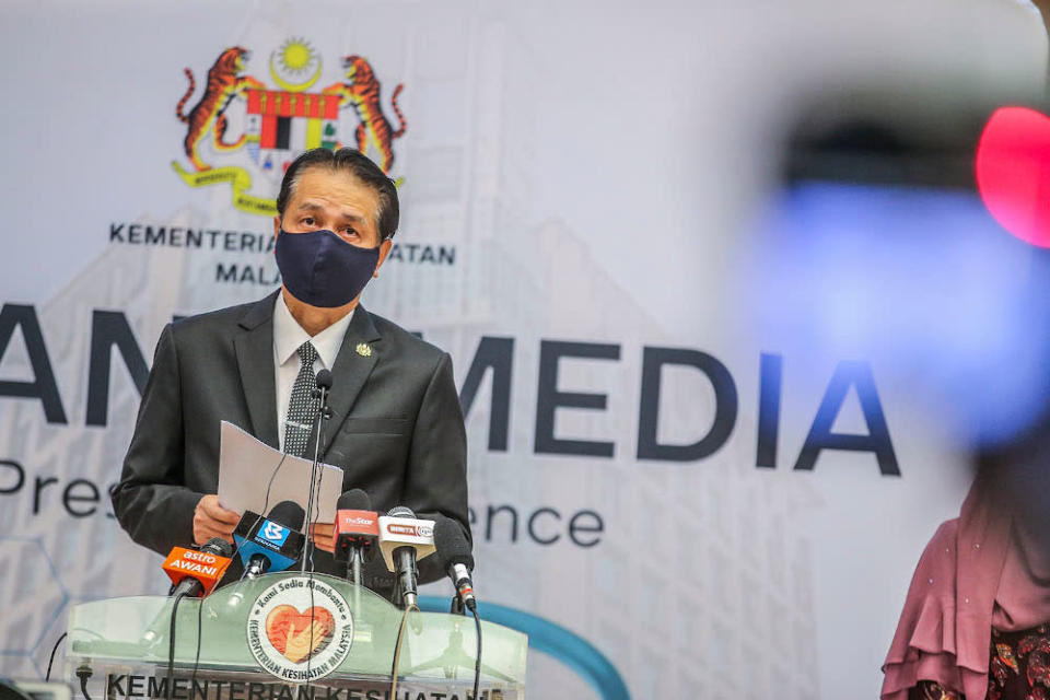 Health director-general Tan Sri Dr Noor Hisham also elaborated on the ineffectiveness of two other types of drugs, namely remdesivir, and the HIV/AIDS drug lopinavir, or ritonavir, normally marketed as Kaletra. — Picture by Hari Anggara