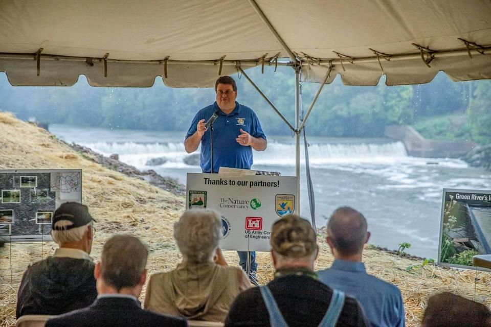 Lee Andrews, U.S. Fish and Wildlife Service field supervisor, speaks during a media conference about a project environmental and federal groups have teamed up on to remove Green River Lock and Dam No. 5 in Butler County, Ky., on Monday, Sept. 20, 2021.
