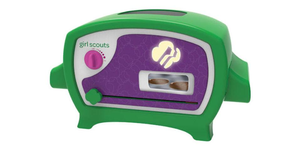 """<p>Believe it or not, this is a real-life <a href=""""https://www.popsugar.com/buy/Girl-Scout-Cookie-Oven-330044?p_name=Girl%20Scout%20Cookie%20Oven&retailer=amazon.com&pid=330044&price=54&evar1=moms%3Aus&evar9=25997679&evar98=https%3A%2F%2Fwww.popsugar.com%2Fphoto-gallery%2F25997679%2Fimage%2F39052289%2FGirl-Scout-Cookie-Oven&list1=holiday%2Cgift%20guide%2Ckid%20shopping%2Choliday%20living%2Choliday%20for%20kids&prop13=api&pdata=1"""" class=""""link rapid-noclick-resp"""" rel=""""nofollow noopener"""" target=""""_blank"""" data-ylk=""""slk:Girl Scout Cookie Oven"""">Girl Scout Cookie Oven</a> ($54). Even when it's not Girl Scout Cookie season, you will still be able to recreate the classic tastes, thanks to this workable oven. </p>"""