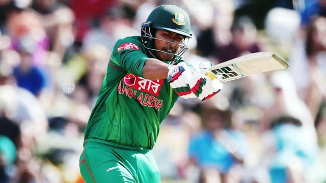 Ireland's poor recent form continued on Friday as they were comfortably beaten by Bangladesh with more than 20 overs unused.