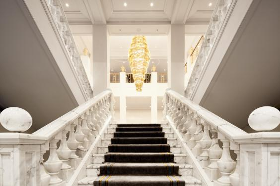 The regal staircase at the Hotel Adlon Kempinski (Hotel Adlon Kempinski)