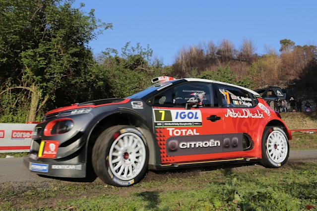 Citroen Abu Dhabi Total WRT team's British pilot Kris Meeke and Irish co-pilot Paul Nagle compete during the shakedown of the Tour de Corse rally, stage of the WRC championships, on April 6, 2017, in Sorbo Ocagnano, on the French Mediterranean island of Corsica. (AFP Photo/PASCAL POCHARD-CASABIANCA)