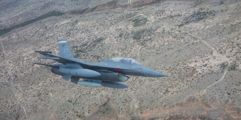 An F-16 during an approach at mission at Holloman Air Force Base, New Mexico, Apr. 21, 2019