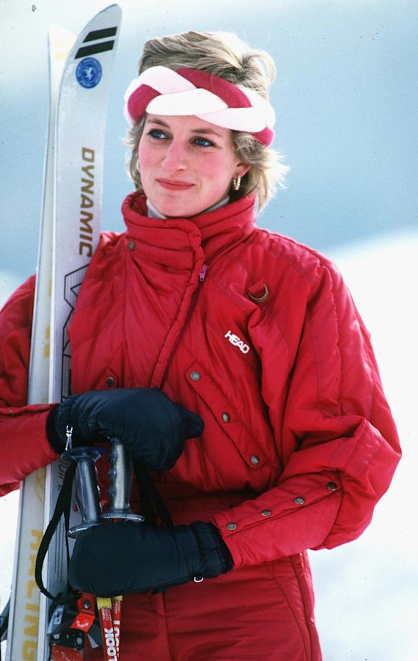 <p>Back in 1986, the blond beauty rocked red ski gear while on holiday in Klosters, Switzerland.</p>