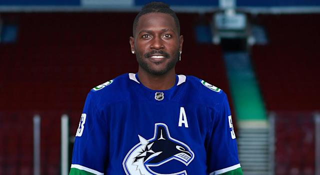 First look at Antonio Brown in a Canucks jersey. (Twitter/Canucks)