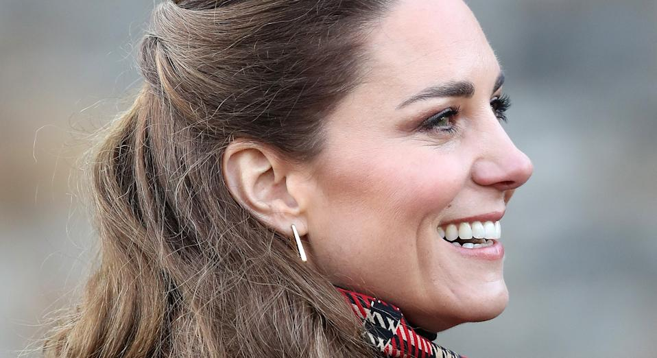 Kate Middleton debuted a straighter hairdo during a video call with NHS nurses. (Getty Images)