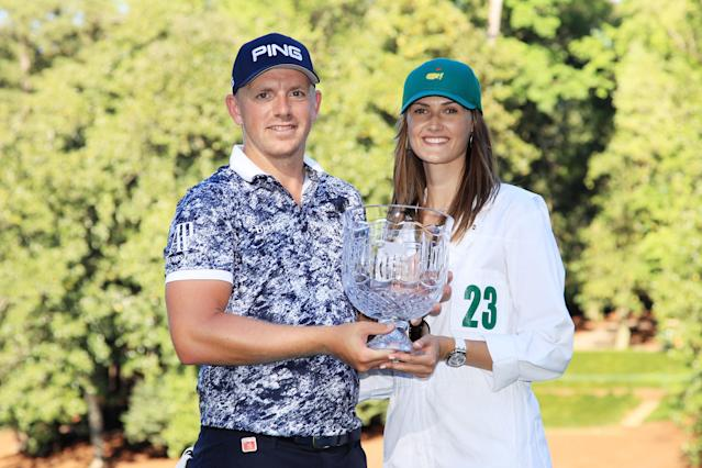 """<h1 class=""""title"""">Matt Wallace 2019 Masters - Par 3 Contest</h1> <div class=""""caption""""> AUGUSTA, GEORGIA - APRIL 10: Par 3 champion Matt Wallace of England poses with girlfriend Chelsie Joce and the trophy after winning the Par 3 Contest prior to the Masters at Augusta National Golf Club on April 10, 2019 in Augusta, Georgia. </div> <cite class=""""credit"""">(Photo by Andrew Redington/Getty Images)</cite>"""