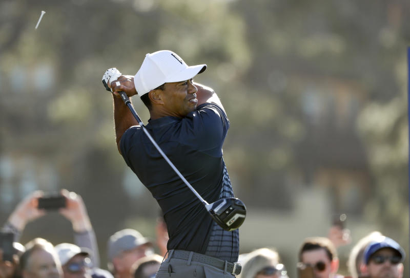 Tiger Woods in danger of missing cut at Torrey Pines