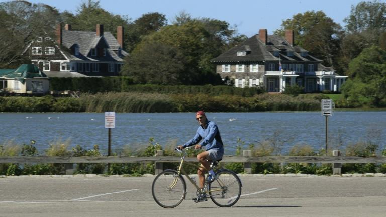 Amid pandemic, crime spike, rich New Yorkers cocoon in plush Hamptons