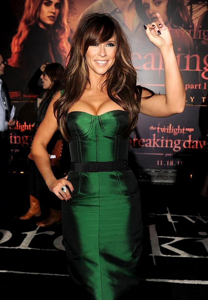 """LOS ANGELES, CA - NOVEMBER 14:  Actress Jennifer Love Hewitt arrives at the premiere of Summit Entertainment's """"The Twilight Saga: Breaking Dawn - Part 1"""" at Nokia Theatre L.A. Live on November 14, 2011 in Los Angeles, California.  (Photo by Kevin Winter/Getty Images)"""