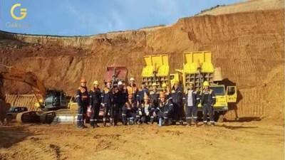 Group photo of ERD KHUL LLC gold miners