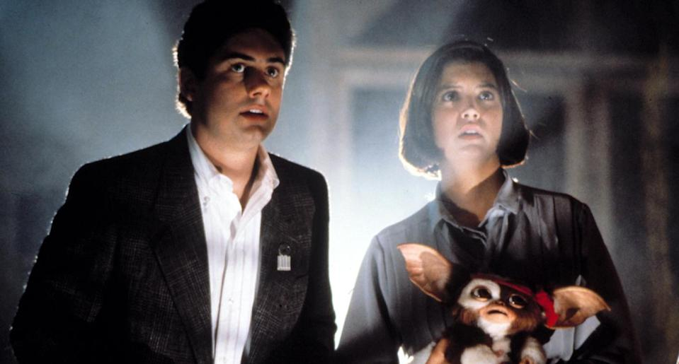 Zach Galligan and Phoebe Cates in <em>Gremlins 2: The New Batch. </em>(Photo: Everett Collection)