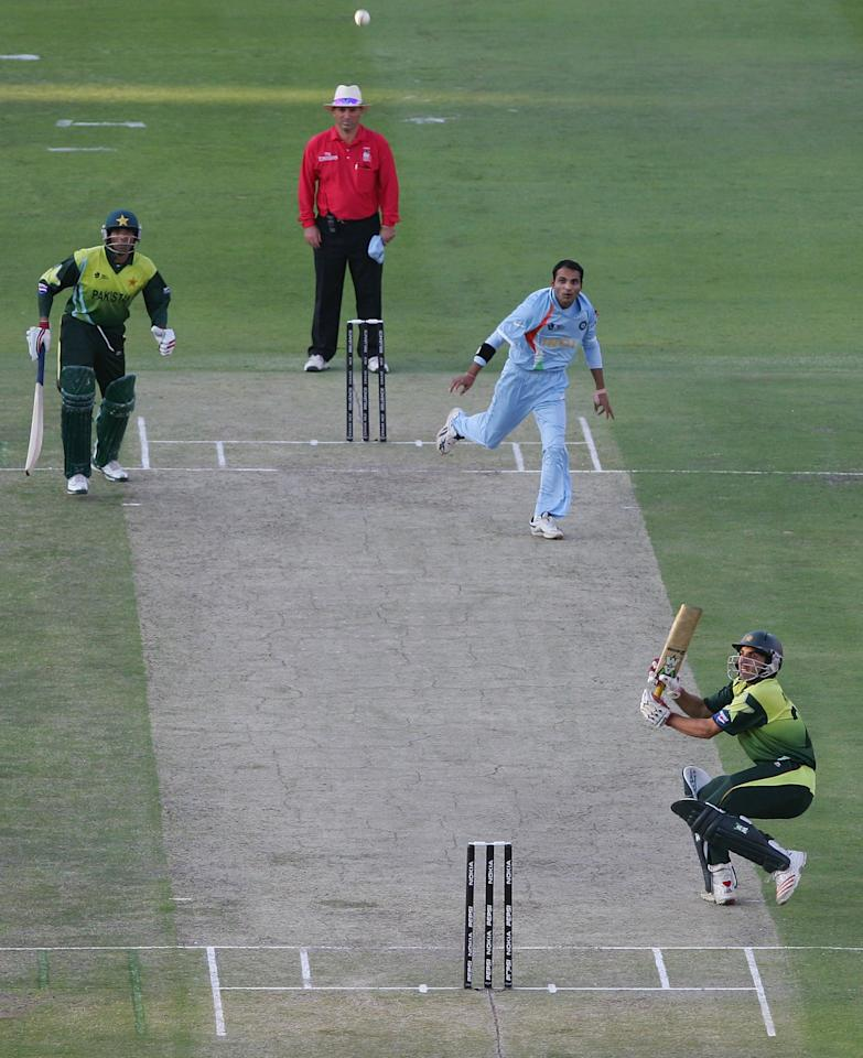 JOHANNESBURG, SOUTH AFRICA - SEPTEMBER 24:  Misbah-ul-Haq of Pakistan plays a shot to be caught to give victory to India during the Twenty20 Championship Final match between Pakistan and India at The Wanderers Stadium on September 24, 2007 in Johannesburg, South Africa.  (Photo by Hamish Blair/Getty Images)