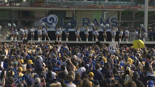 """The <a class=""""link rapid-noclick-resp"""" href=""""/nfl/teams/la-rams/"""" data-ylk=""""slk:Los Angeles Rams"""">Los Angeles Rams</a> Cheerleaders appeared during the team's send-off ahead of next Sunday's Super Bowl. (Photo courtesy of&nbsp; <span>CBS Los Angeles.)</span>"""