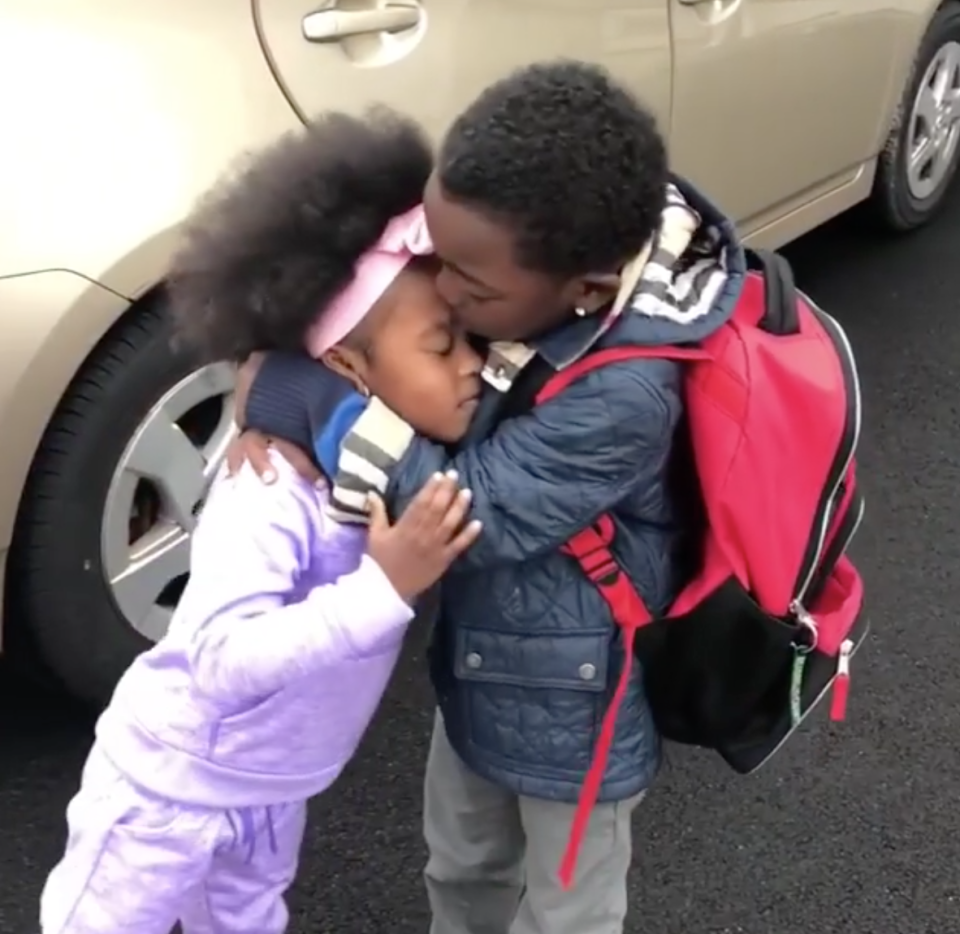 These siblings can't wait to see each other after school. (Instagram/godivachocolate_)