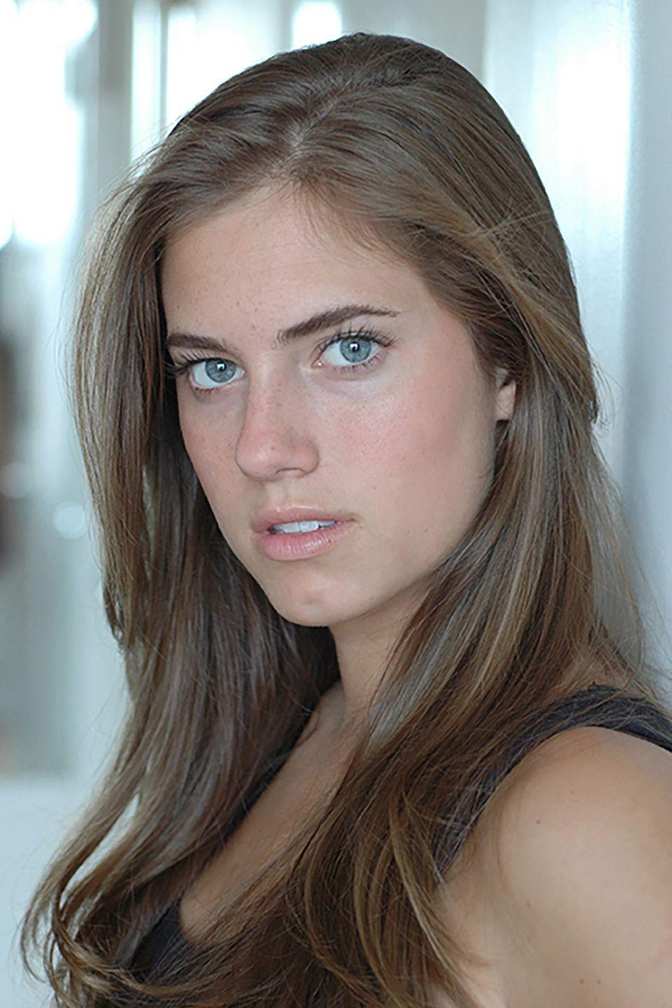 <p>Allison Williams may be the daughter of newscaster Brian Williams, but she still had to pay her dues in Hollywood. After growing up in Connecticut and working with an improv troupe at Yale University, Williams was cast in her breakout role as Marnie Michaels in HBO's <em>Girls</em> in 2010.</p>