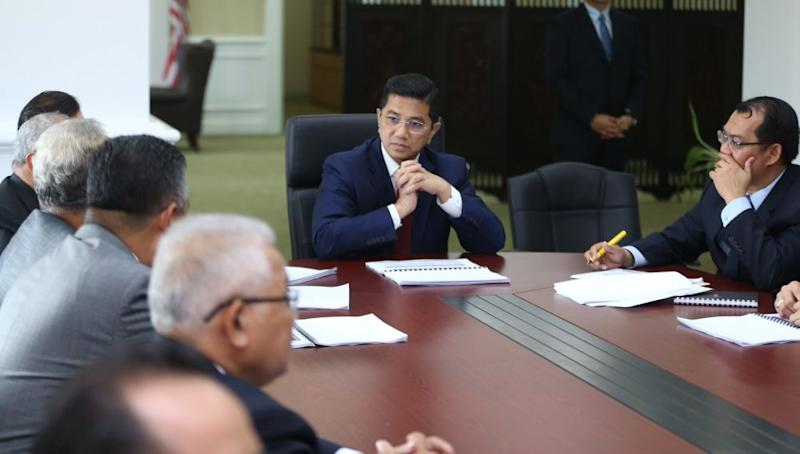Datuk Seri Mohamed Azmin Ali chairs the first meeting with the management of the Economic Planning Unit (EPU) at the Ministerial Office of the Prime Minister's Department in Putrajaya May 22, 2018. ― Picture by Razak Ghazali