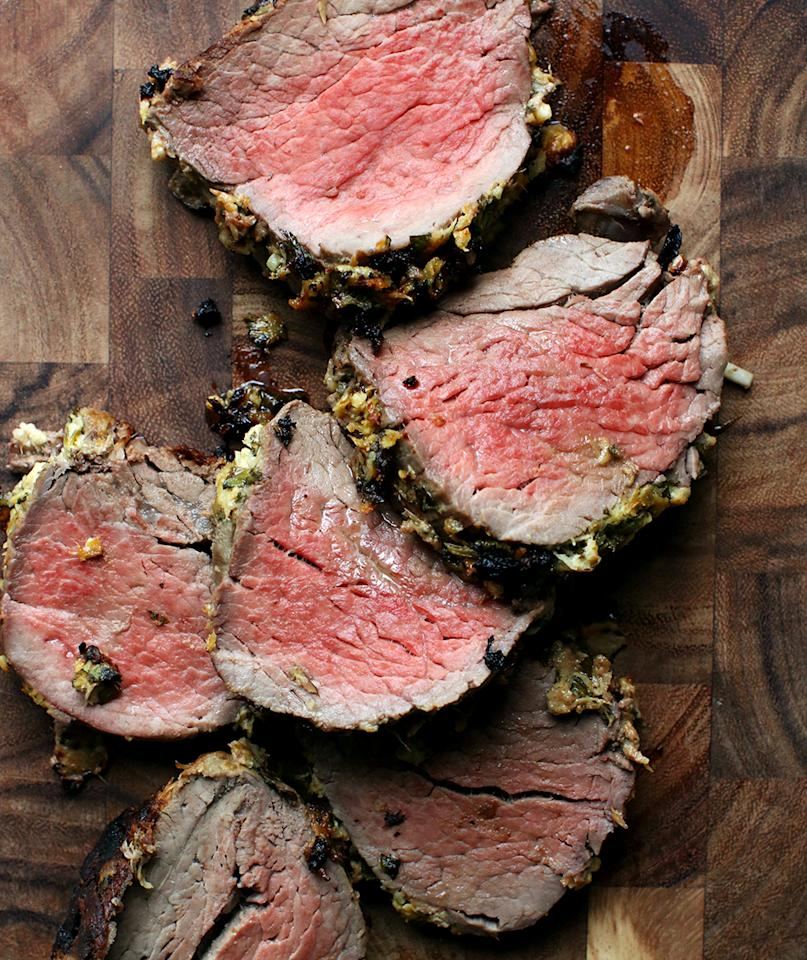 """<p>This flavorful rub comes together in minutes, and provides a crisp, spicy crust for the juicy piece of meat. The horseradish flavor is pronounced, but isn't overpowering. Serve as a main dish for dinner, or pack it for lunch as a sammie on a crusty, chewy roll.<br><br>   <strong>Get the recipe:</strong> <a rel=""""nofollow"""" href=""""https://www.realsimple.com/food-recipes/browse-all-recipes/horseradish-crusted-beef-tenderloin"""">Horseradish-Crusted Beef Tenderloin</a>"""