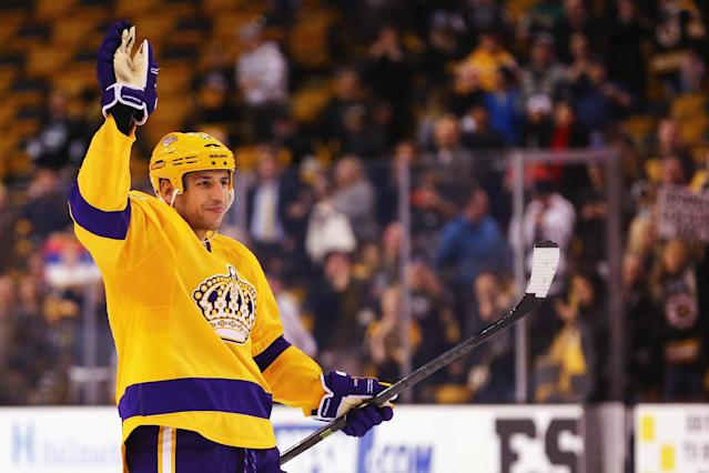 BOSTON, MA - FEBRUARY 09: Milan Lucic #17 of the Los Angeles Kings acknowledges the crowd after the Kings defeat the Boston Bruins 9-2 at TD Garden on February 9, 2016 in Boston, Massachusetts. (Photo by Maddie Meyer/Getty Images)