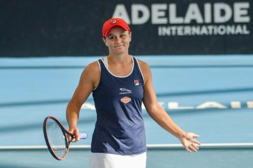 Ashleigh Barty has become the first Australian woman to lift a trophy on a home court since Jarmila Wolfe won Hobart in 2011
