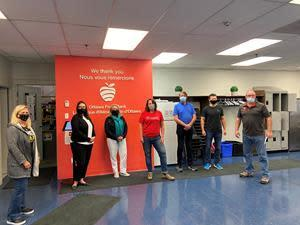 Rogers employees in Ottawa volunteered at the Ottawa Food Bank as part of the Step Up to the Plate initiative with Food Banks Canada. Through food hampers provided to local area food banks, the initiative will see more than 709,000 local meals for 34,000 people in need in Ottawa. The Rogers team was joined by The Honorable Mona Fortier, Minister of Middle Class Prosperity, and Associate Minister of Finance.