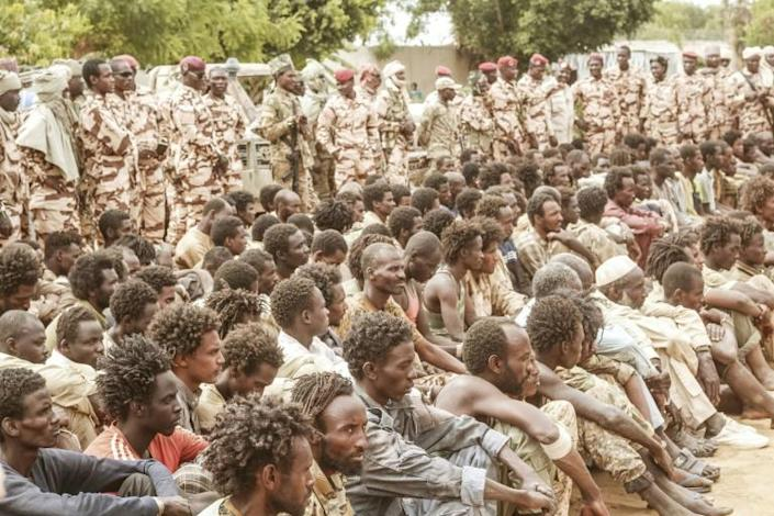 The Chadian military on Sunday presented a group of captured rebels together with their confiscated weapons and vehicles