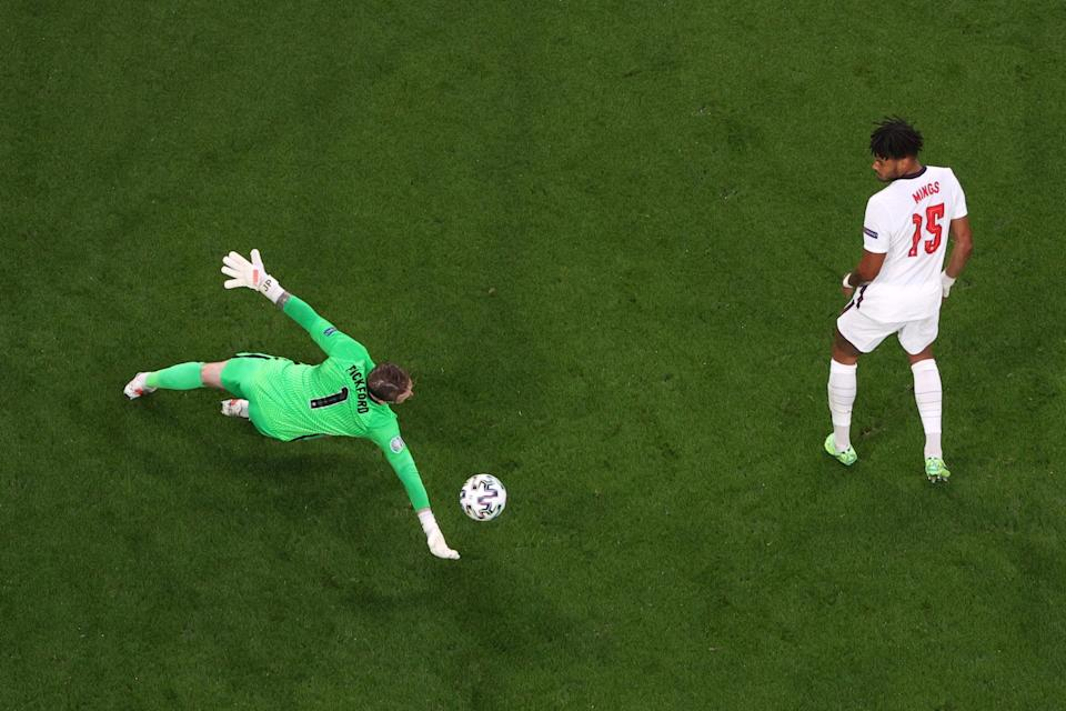 Jordan Pickford saves a shot from Stephen O'Donnell (Getty)