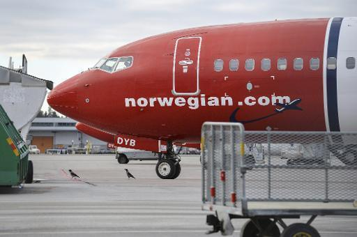 Norwegian Air Shuttle to require two people in cockpit