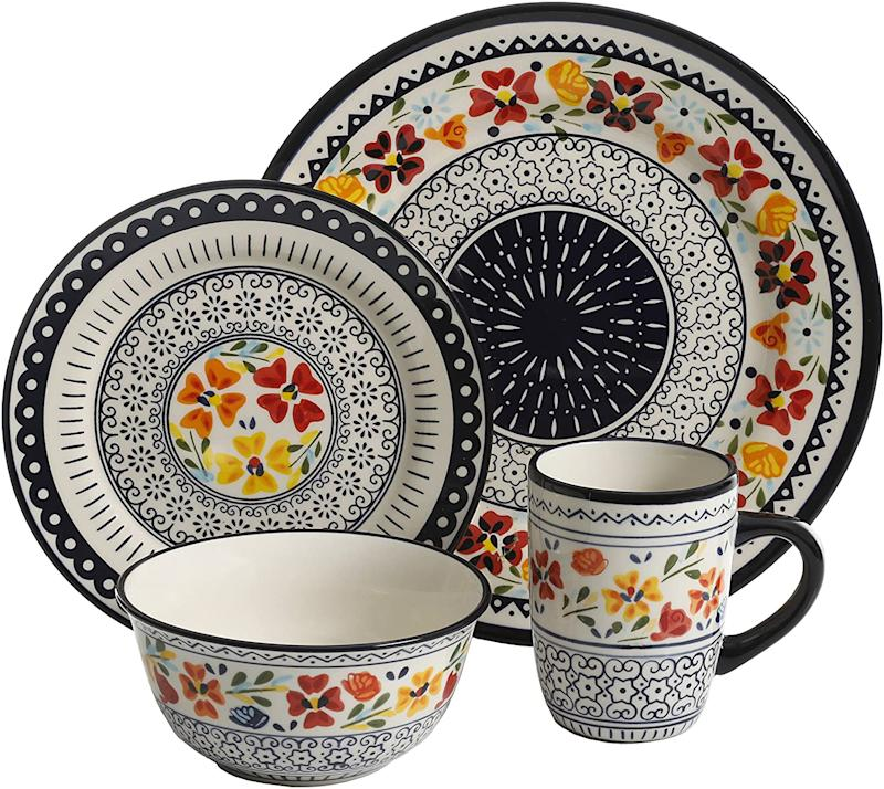 Gibson Elite 92995.16R Luxembourg Handpainted 16 Piece Dinnerware Set. Image via Amazon.