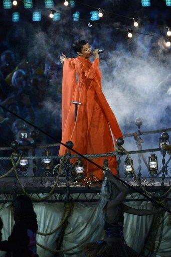 <p>Barbadian singer Rihanna performs during the closing ceremony of the London 2012 Paralympic Games at the Olympic Stadium in east London.</p>
