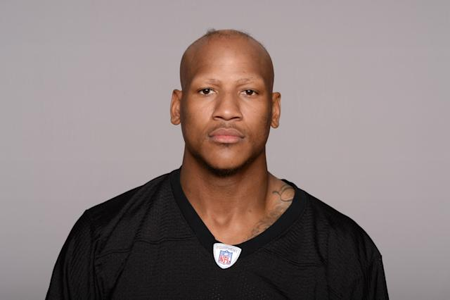 "Pittsburgh LB <a class=""link rapid-noclick-resp"" href=""/nfl/players/27543/"" data-ylk=""slk:Ryan Shazier"">Ryan Shazier</a> was working out in the gym on Friday. (AP)"