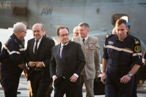 Hollande on French aircraft carrier as Germany joins IS fight
