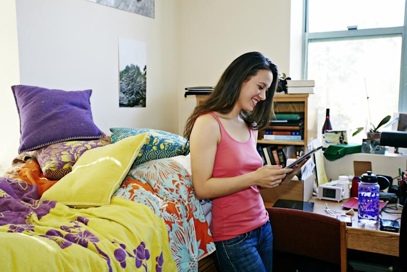 9 Surprising Things Every College Student Needs For Their Dorm Room Part 39