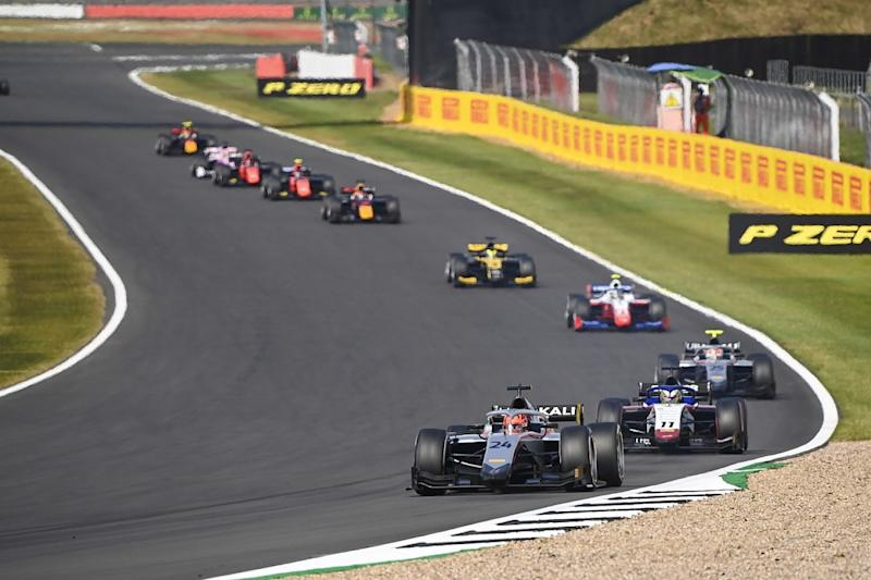 Ilott dominates Silverstone F2 feature race